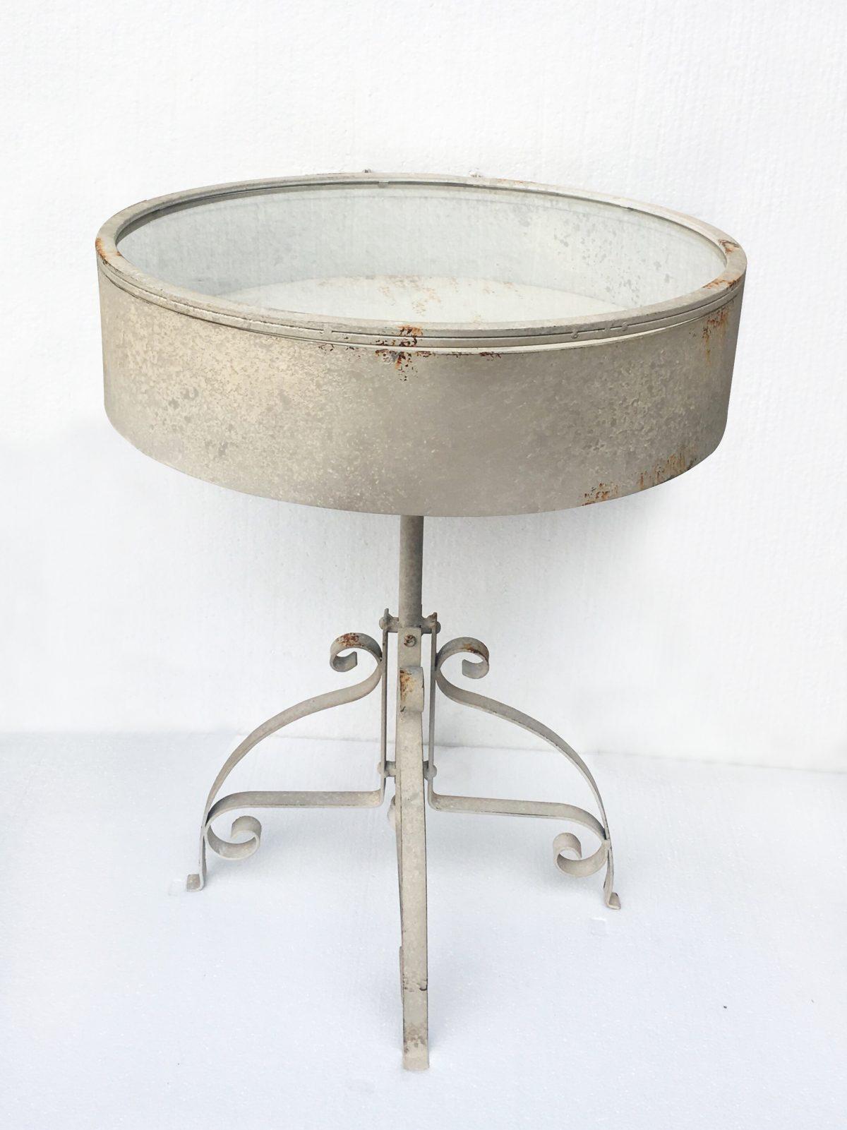 Tavolino tondo con piano vetro e con trepiedi D.54 , H.67