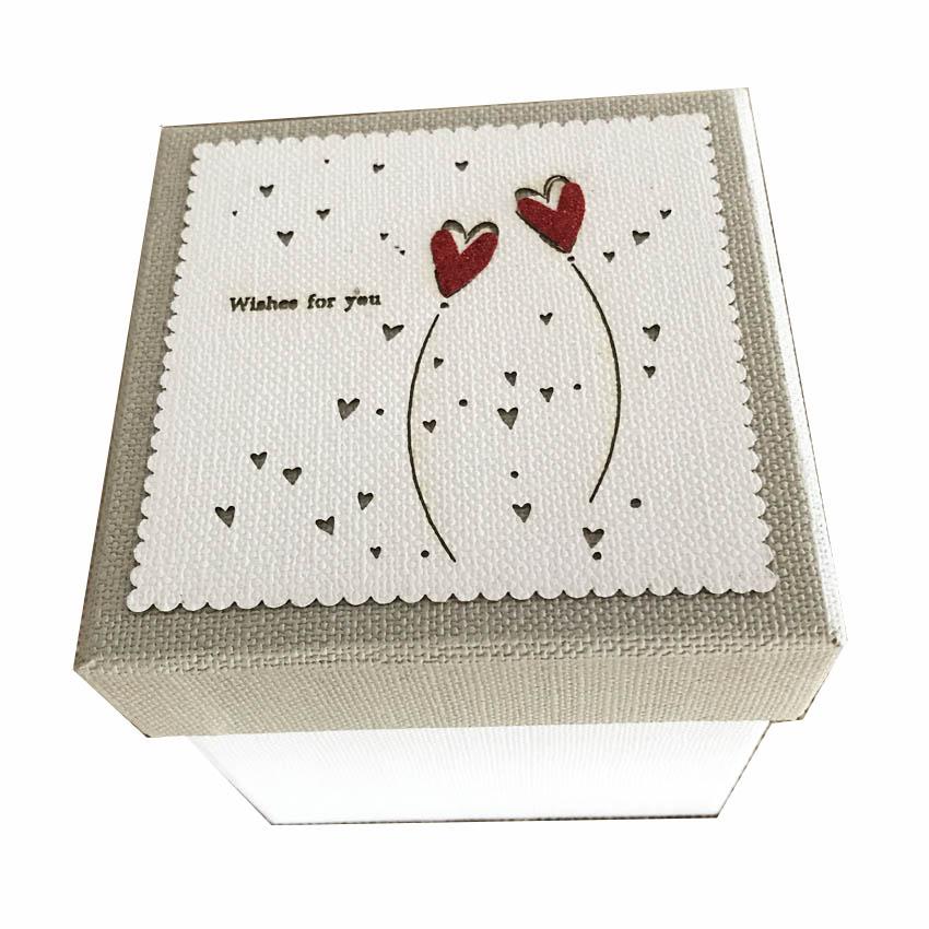 Set 4 scatole quadre bianche con cuori