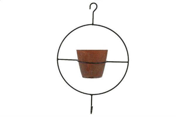 Anello portavaso da appendere in metallo con un vaso in terracotta d. 24 x 10 x h. 39 cm