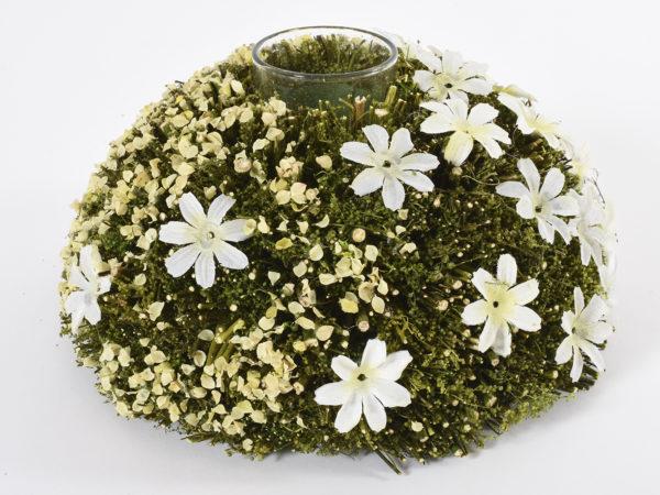 Portacandele primaverile con ghirlanda di fiori artificiali gialli e bianchi e con bicchiere in vetro 20 x 10,5 cm