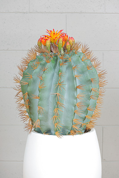 Cactus artificiale verde con fiori gialli e arancioni h. 52 cm d. 49 cm