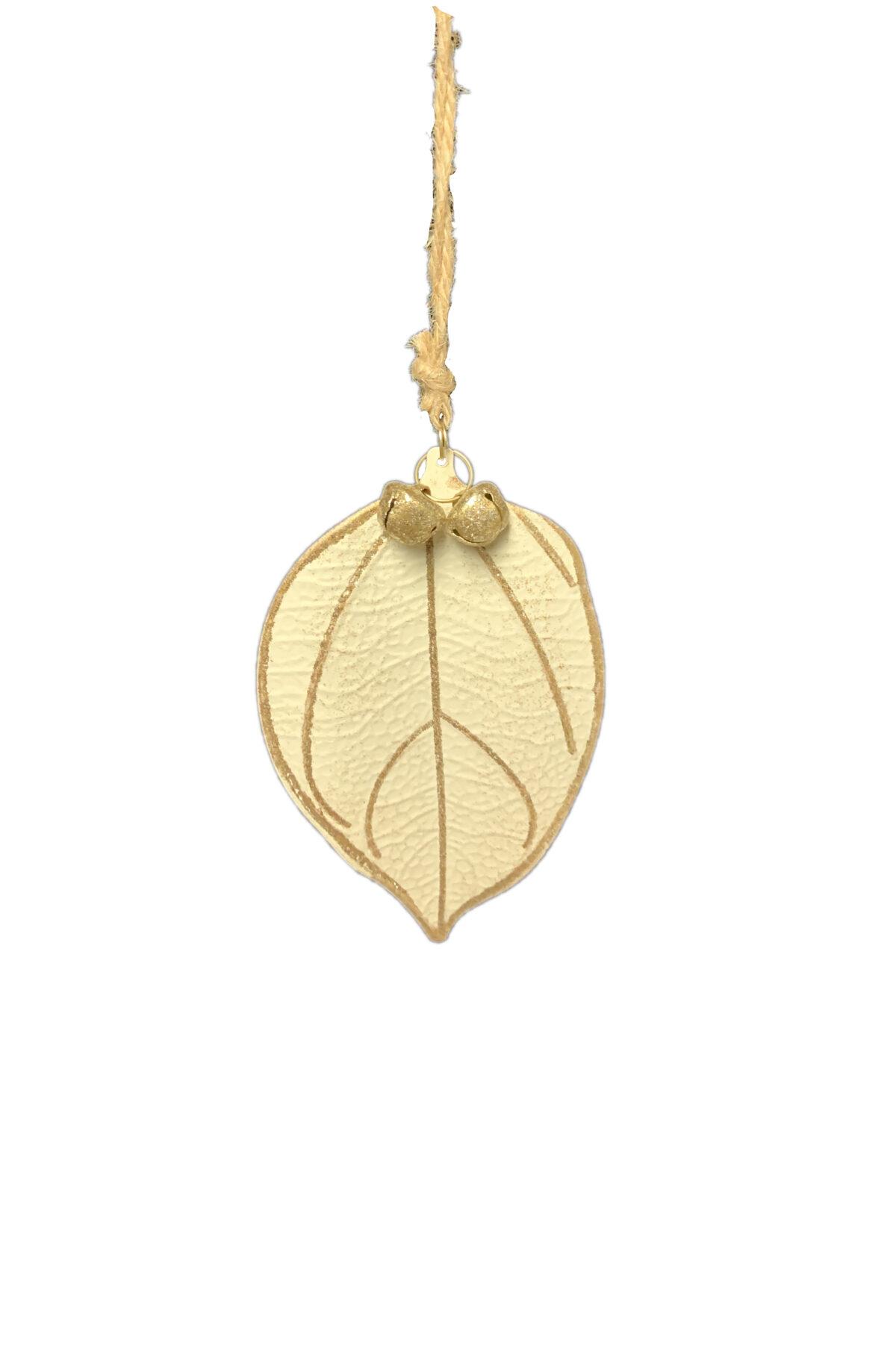 Decorazione addobbo albero di Natale a forma di foglia in latta color crema con venature oro e campanelle h.9 cm